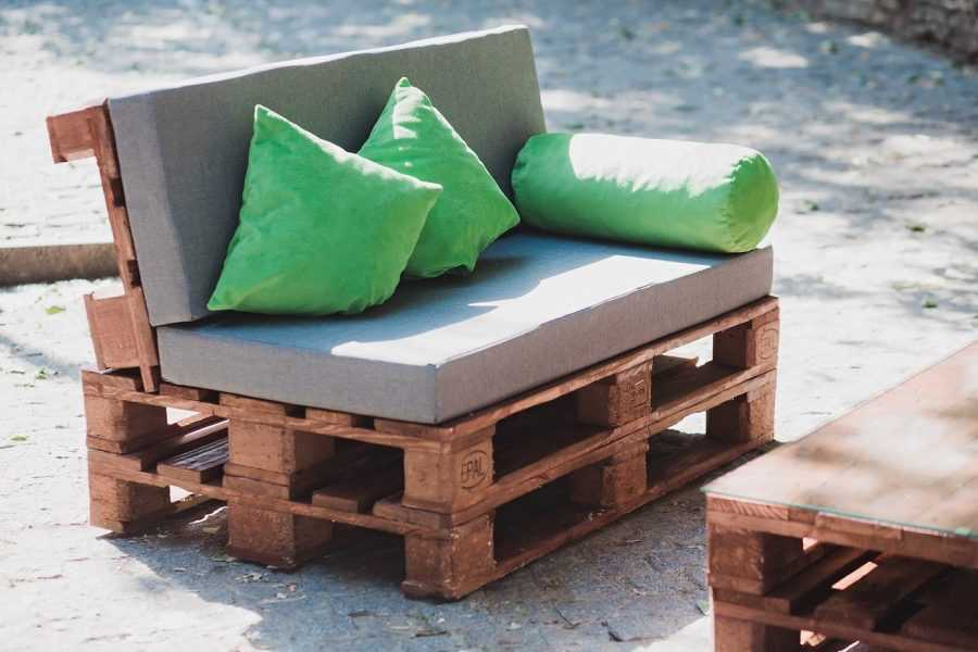 Мебель из поддонов — пошаговое изготовление своими руками мебели из палетов (110 фото идей)