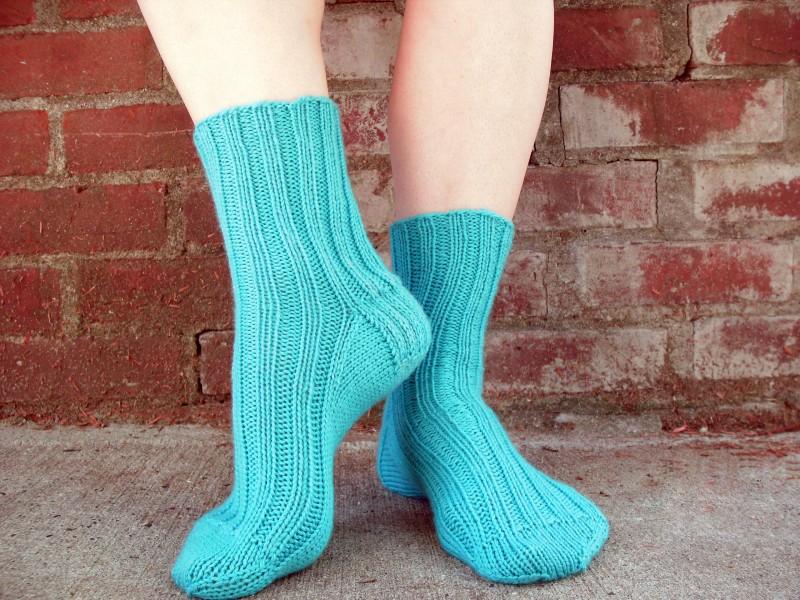 Вязание носков спицами и крючком — подробный мастер-класс для начинающих и идеи для мастеров
